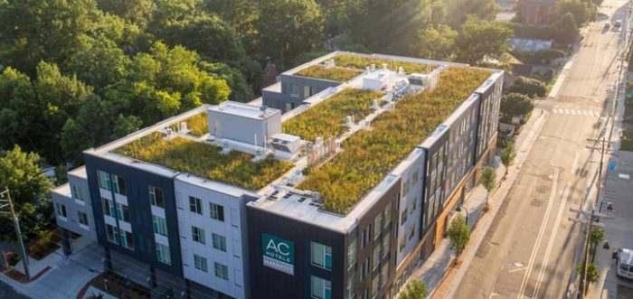 edificio con azotea verde